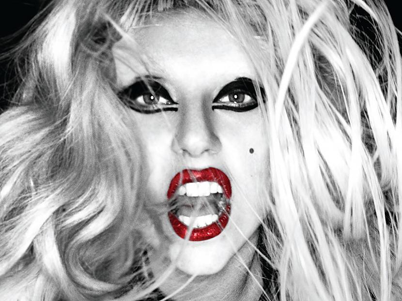 Otrā vieta Lady Gaga Viņai ir... Autors: ivarssmaidins Top 10 twittera populārākie profili.