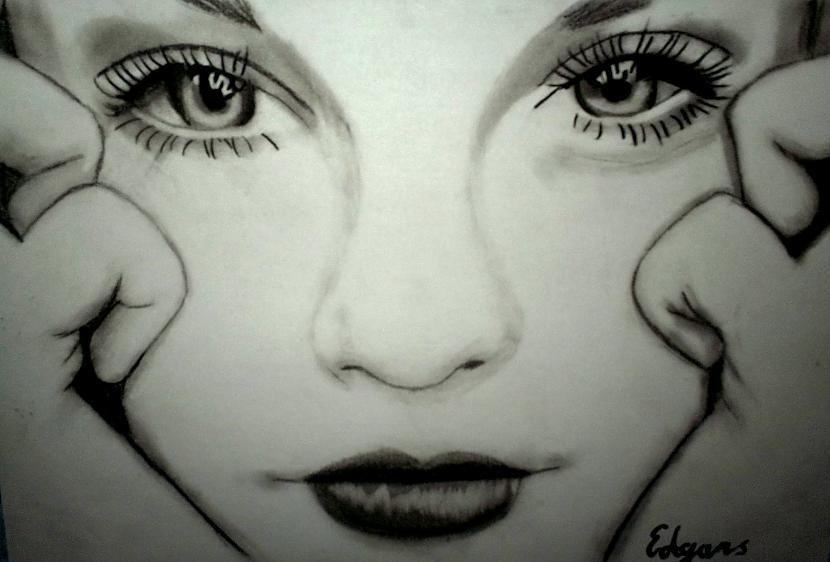 Meitene Autors: Edgarsnr1 Oriģināli zīmējumi