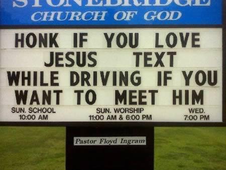 Uzpīpinija mīli Jēzu Raksti... Autors: Budzisss Baznīca mēģina jokot...