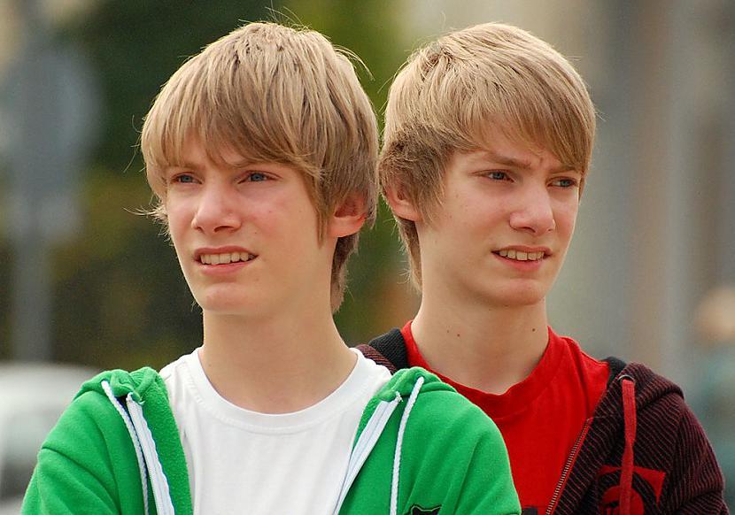 Vairākiem dvīņiem ir vienādi... Autors: ORGAZMO Fakti par dvīņiem.