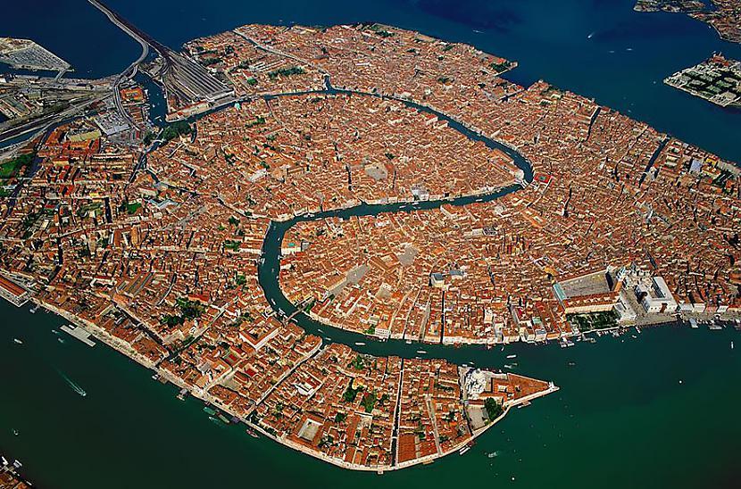 Venēcija Autors: Šamaniss Kā izskatītos pasaule ja tu būtu putns.