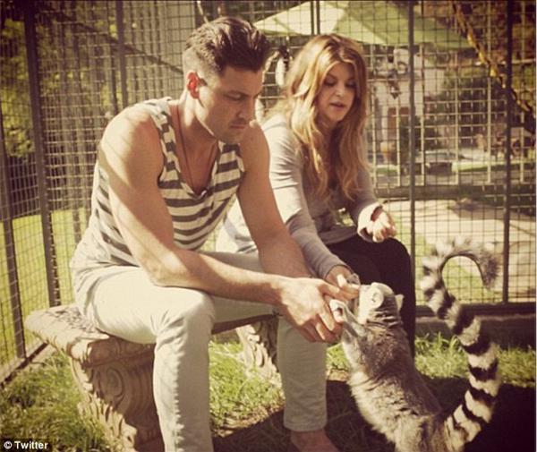 Kirstie Alley ar savu lemuru... Autors: GanjaGod Slavenības ar saviem eksotiskajiem dzīvniekiem