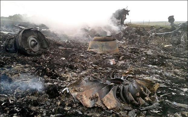 Neskaidrības ap Boeing... Autors: Lestets Kāpēc avarēja Malaizijas Boeing. Plānprātīgo versija