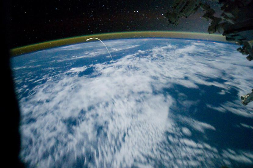 Atlantis nolaiscaronanās uz... Autors: Prāta Darbnīca Neparasti attēli no Zemes orbītas