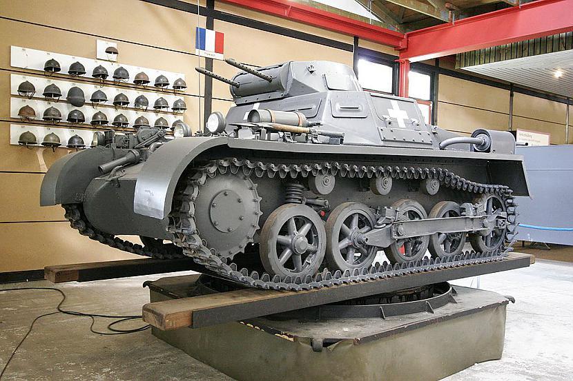 Sērijas... Autors: KŪMIŅŠ Tanku sērija Panzer - ( jeb Panzerkampfwagen... )