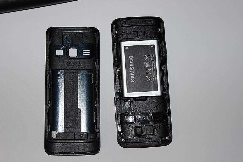 Ņem pretī 16 gb micro SD... Autors: Werkis2 Samsung S5611 podziņtelefona apsakts.
