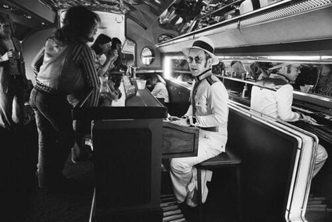 Eltons Džons savā privātajā... Autors: kaķūns Bin Ladens ar ģimeni un citi.