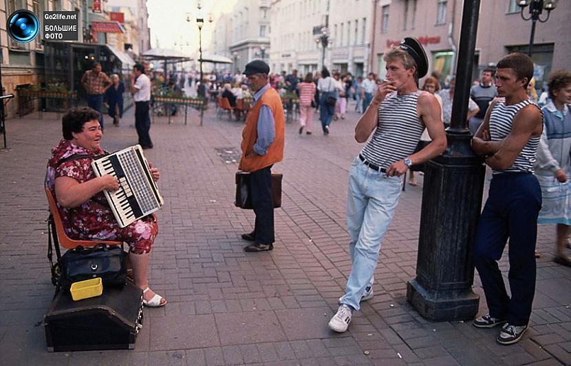 Arbata iela Maskavā Tāda bija... Autors: ghost07 Dzīve padomju savienībā (17 unikālas, krāsainas fotogrāfijas)