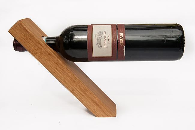 Autors: Spoki Pārspēj gravitāti - Vīna pudeles turētājs