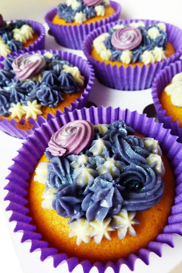 Autors: DarkWitch Colorful Cupcakes