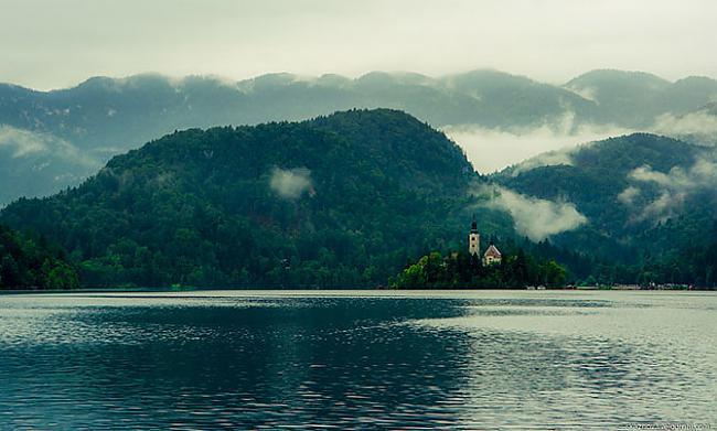 Autors: Fosilija Pasaku ezers