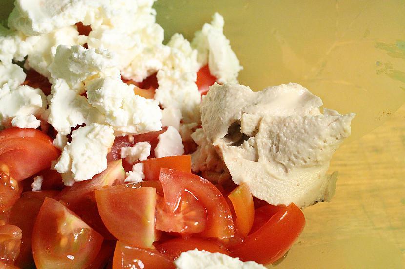 Jaucam sastāvdaļas kopā un... Autors: Sforca Supervieglie, gardie un sātīgie vistas salāti