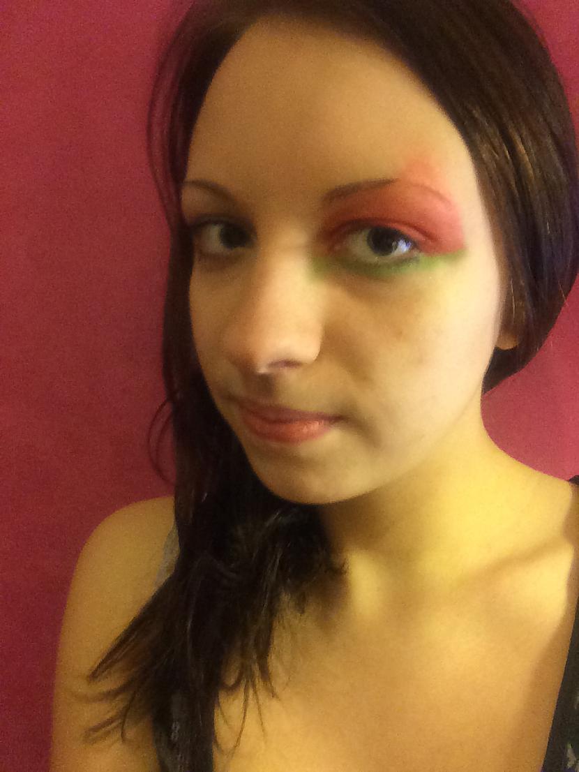 """5 Zem acīm uzzīmēt ar zaļām... Autors: MazAa888 Neparasts vasarīgs make-up """"watermelon"""""""