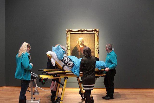 Sieviete Amsterdamā apmeklē... Autors: Pon4iks 33 Aizkustinoši līdz sirds dziļumiem