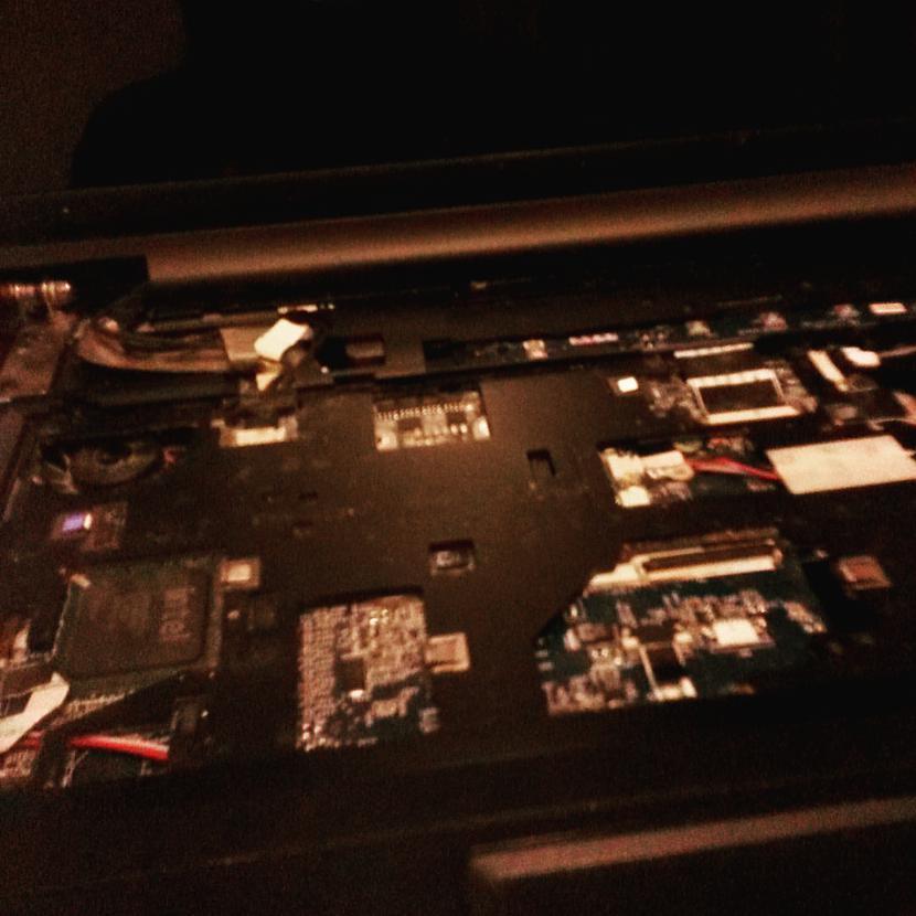 Lai tiktu iekscaronā ir arī... Autors: Fosilija RM laptopa lodēšana, klaviatūras mainīšana un tīrīšana