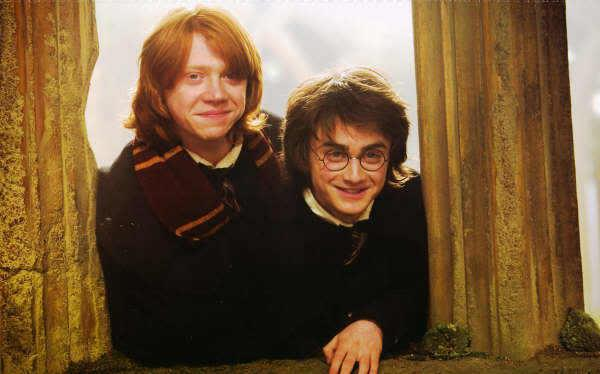 Rons un Harijs tā arī... Autors: sancisj 100% Nezināmi fakti par Hariju Poteru.