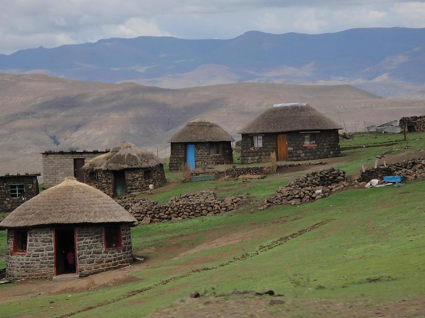 Lesoto atguva neatkarībunbspno... Autors: Sulīgais Mandarīns Lesoto - augstākā valsts pasaulē