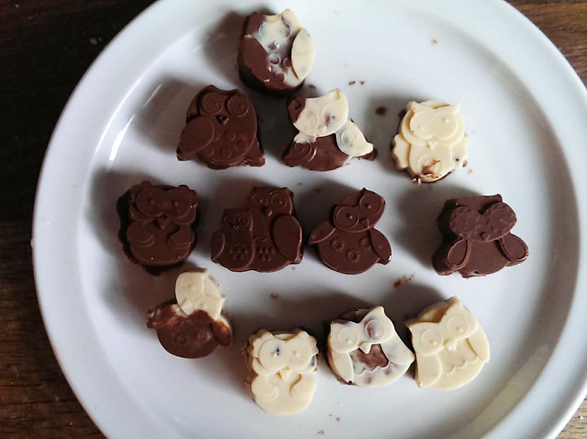 "Un tad ielikam saldētavā lai... Autors: okami DIY.Chocholate ""Owl"" Candy's with fillings."