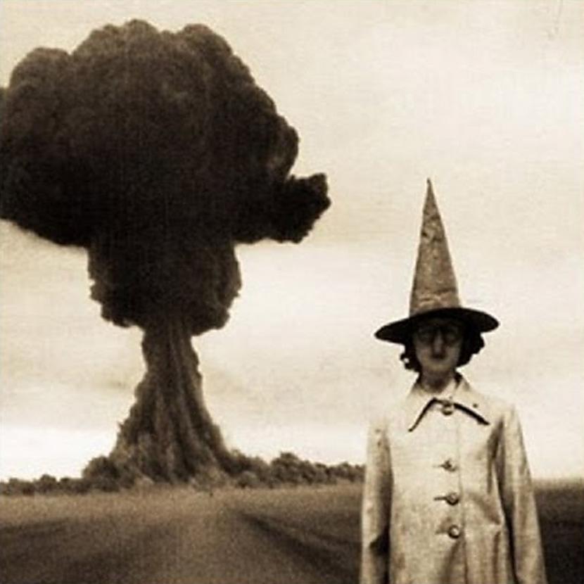 Uz sprādziena fona Autors: Fosilija Gluži kā filmās...šausmu