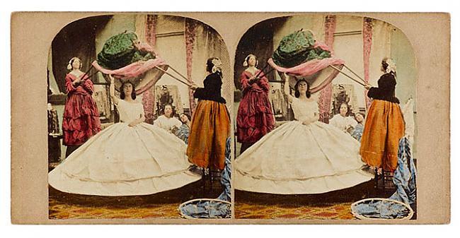 Krinolīnu popularitāte bija... Autors: ieva5 Krinolīni - Viktorijas laikmeta ekstremālā mode