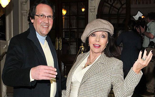 Džoana Kollinsa un Persijs... Autors: mauku mājas lukturis Daži slavenību pāri ar diezgan ievērojamu vecuma starpību