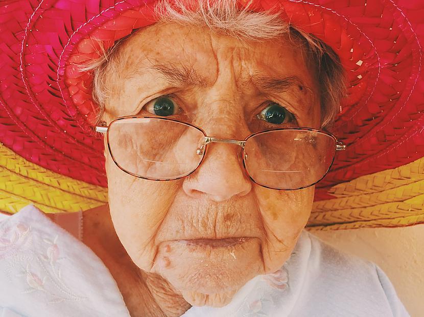 Autors: Traxes Reāls stāsts par vecas kundzes pēdējiem dzīves gadiem