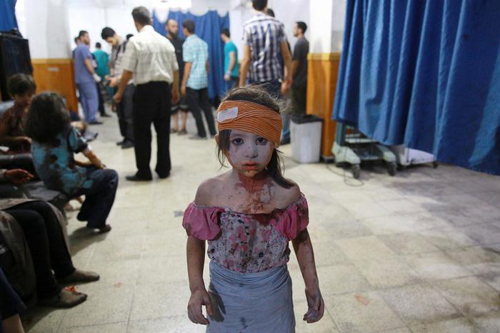 Cietusī meitenīte pilsētas... Autors: Lords Lanselots Kas liek Sīriešiem bēgt uz Eiropu???