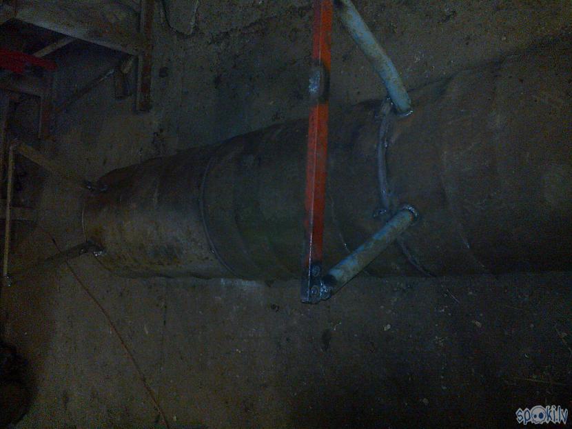 divas 200 litru mucas... Autors: KOMANDI3RIS Barības sile no 200 l mucām.