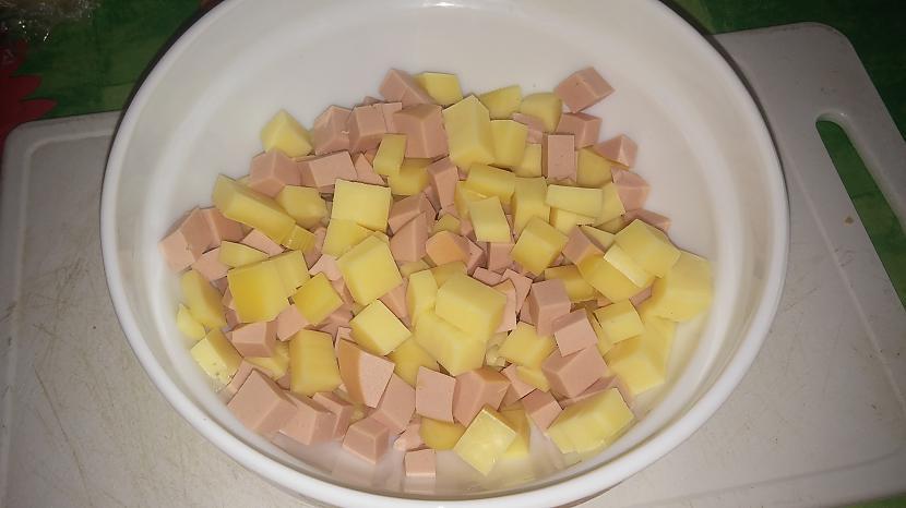 sagriež desu un sieru... Autors: wokie Gardās karstmaizes