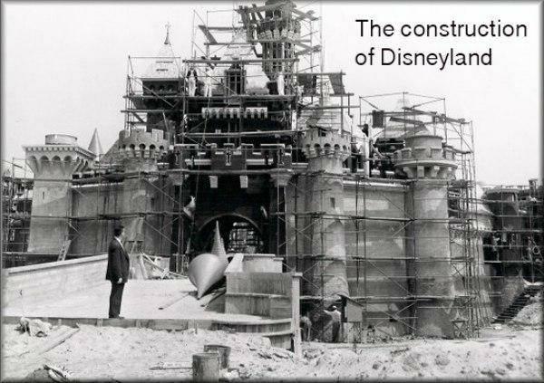 Tiek būvēta pirmā Disnejlande... Autors: twist 18 vēsturiskas bildes, par kurām pasaule gandrīz ir aizmirsusi.