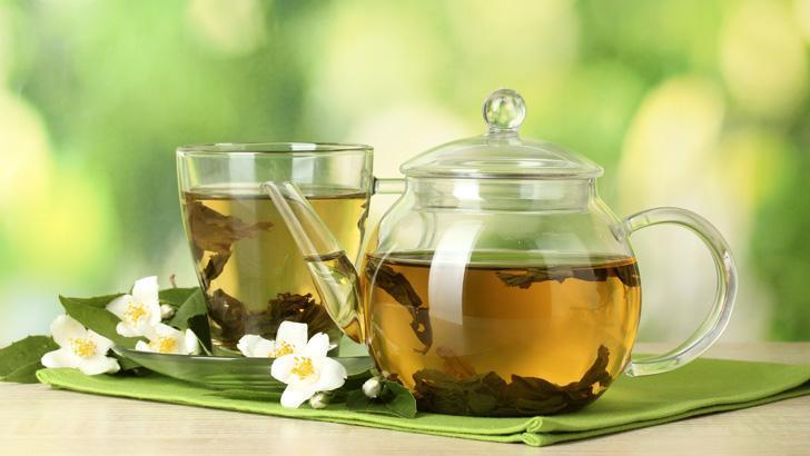 Zaļā tēja ir zināma kā labs... Autors: Šķiedra 10 ēdieni, kas patiesi ir pierādīti par to, ka tie uzlabos tavu dzīvi.