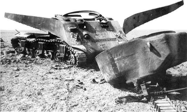 Vēlviens ShermannbspM4 vai... Autors: DamnRiga WWII Sašauti amerikāņu tanki