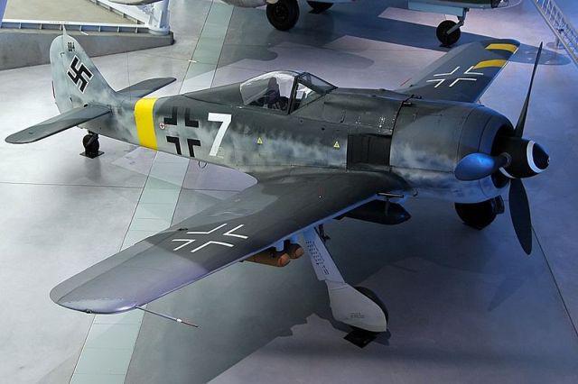 Scaronajā attēlā redzama... Autors: DamnRiga WWII Pamesti, avarējuši, atrasti lidmašīnu vraki.