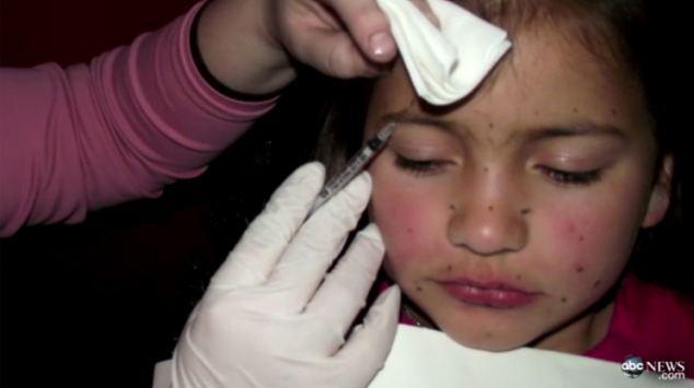 Astoņgadīgai meitenei kura... Autors: selfishmartha 10 sliktākie vecāki pasaulē