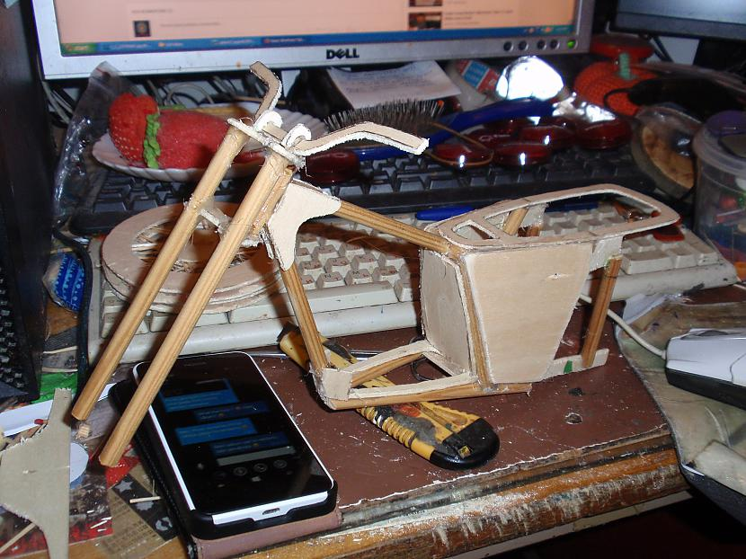 Autors: VOVASFILMAS Plastilīna Motocikls (IŽ Jupiter).