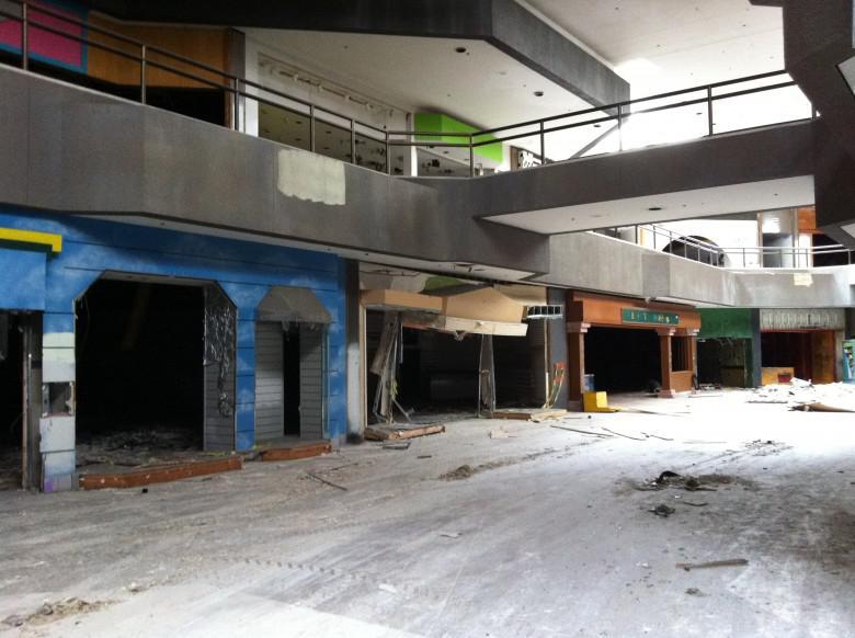 Hawthorne Plaza... Autors: Plane Crash central Baisākie pamestie iepirkšanās centri pasaulē