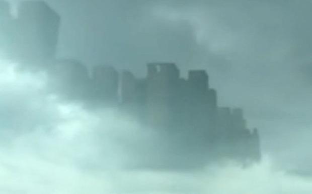 Lidojoscaronā pilsēta virs... Autors: Ļaļaka Savādi un biedējoši video