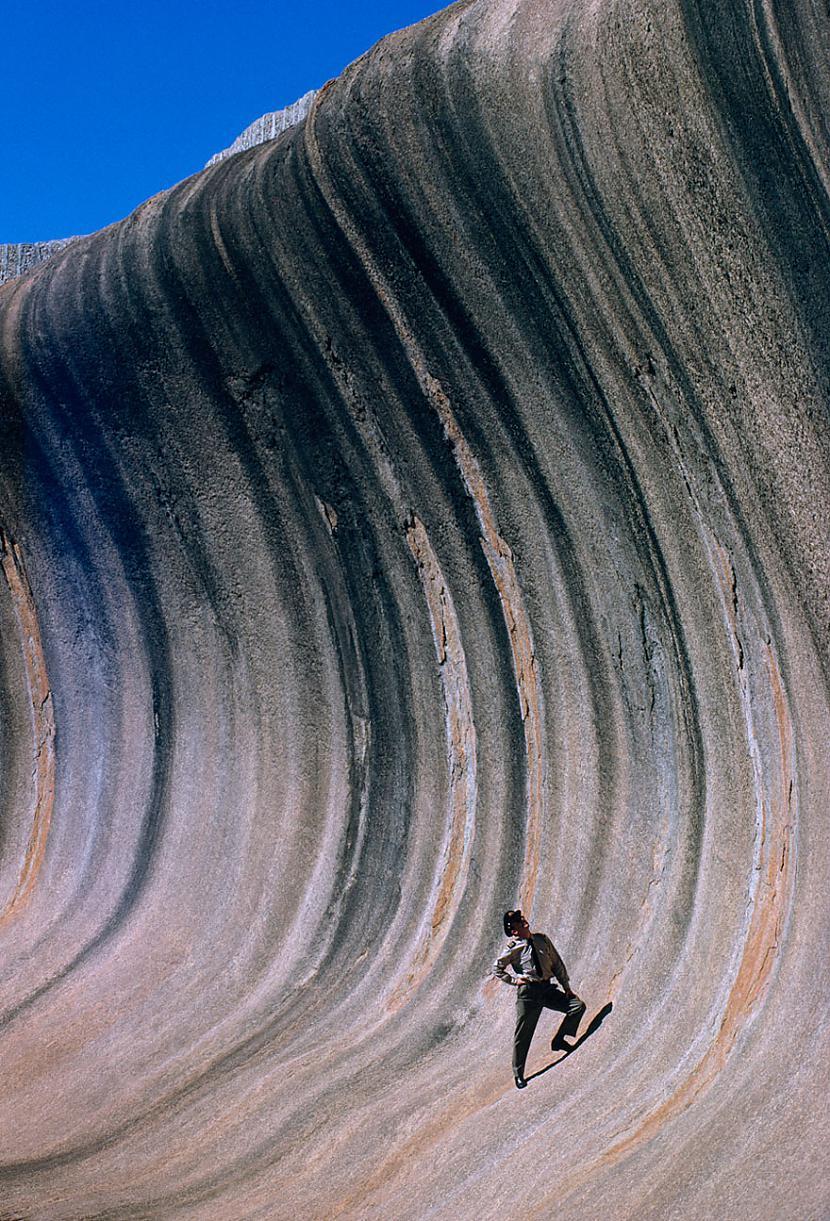 Akmens vilnis Austrālijā ko... Autors: me guusta 16 agrāk nepublicēti foto no National Geographic arhīviem,kas aizraus elpu!