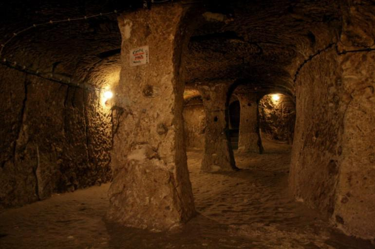 Stambulas vēstures profesors... Autors: Fosilija Vīrietis netīšām atklāj 3000 gadu vecu pazemes pilsētu