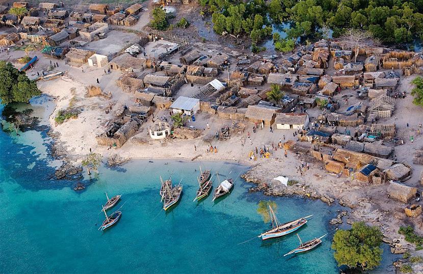 Skaists Āfrikas piejūras ciems... Autors: Liver Skaistāko pasaules ciemu fotogrāfijas