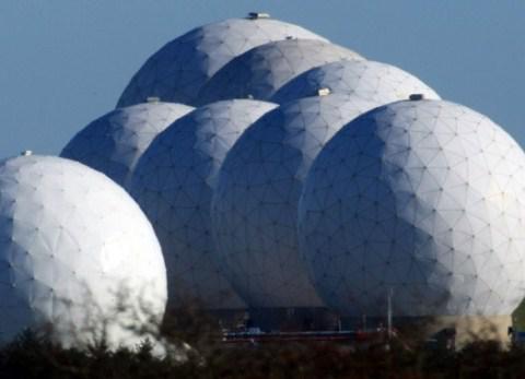 Royal air force Menwith hillJa... Autors: Agresīvais hakeris 7 apsargātākās vietas pasaulē! 2