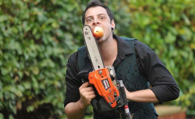 Visvairāk sazāģēto ābolu ar... Autors: Agresīvais hakeris Interesanti Ginesa rekordi, par kuriem nebūsi dzirdējis... cerams.