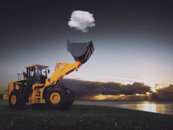 Traktors kas ķer mākoni Autors: Razam4iks 20 apbrīnojamas fotogrāfijas bez fotošopa