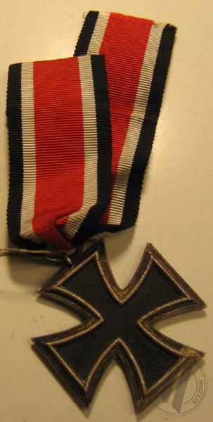 Dzelzs krusta... Autors: Boleslavs89 Igaunijas leģiona 20.divīzijas artilērijas pulka komandieris Aleksandrs Soboļevs