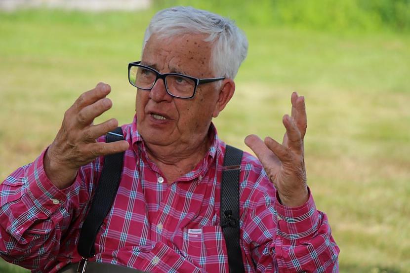 Parks Pēcpusdiena Puisis ar... Autors: Fosilija Anekdošu izlase