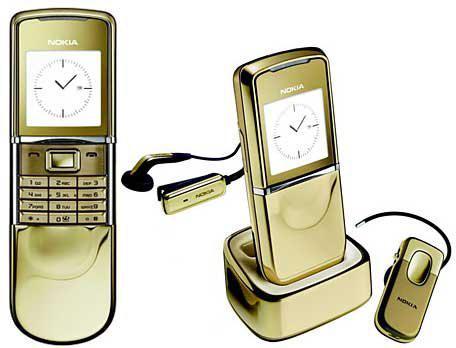 Nokia 8800 Sirocco GoldGluži... Autors: LGPZLV Dārgāko telefonu tops