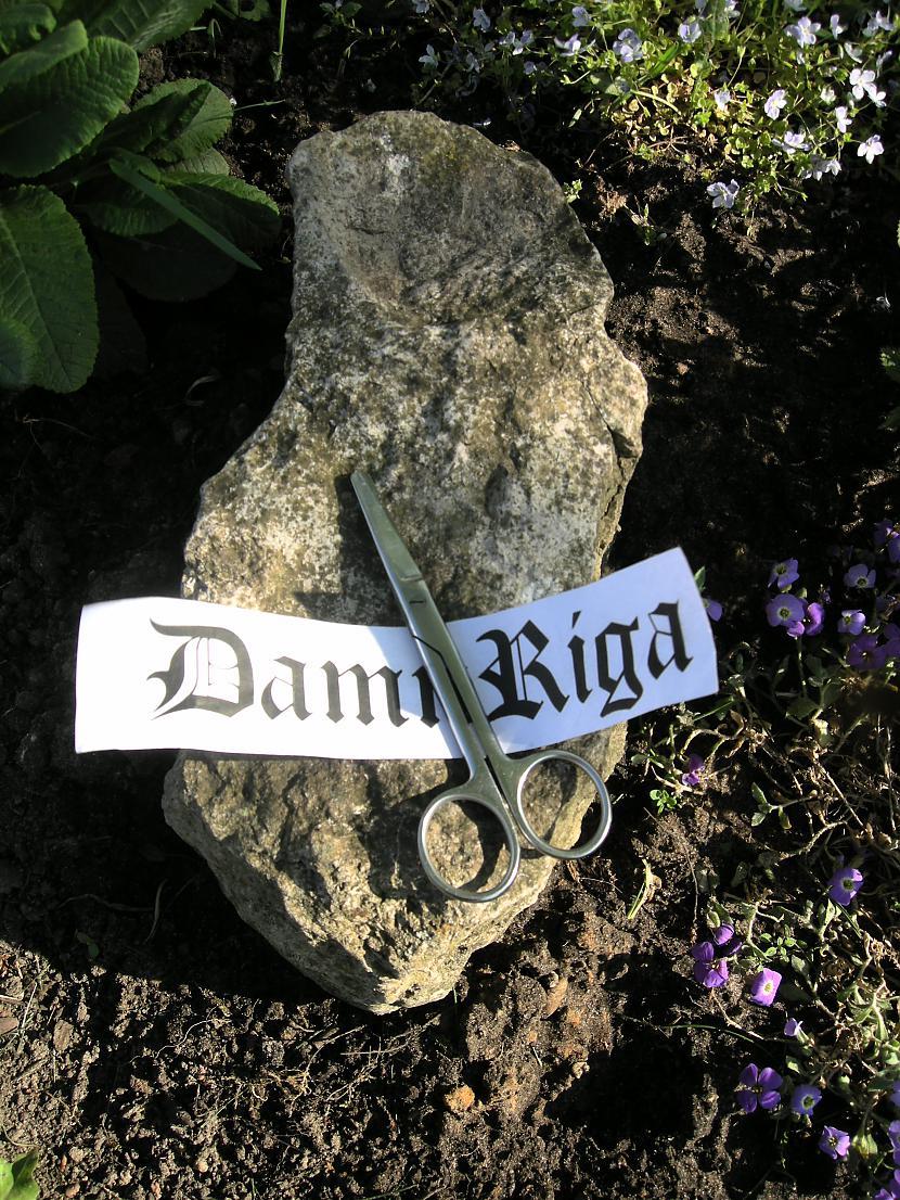 Autors: DamnRiga FS akmens šķēres un papīrs