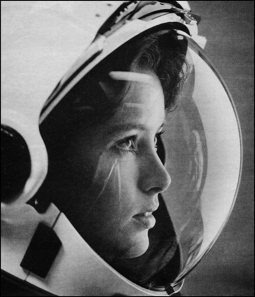 Uzturēt personīgo higiēnu... Autors: im mad cuz u bad Kas notiek, kad sievietēm ir mēnešreizes kosmosā?