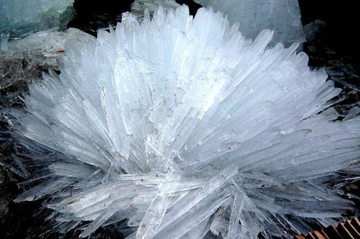 Scaronis skaistums rodas sāls... Autors: Raziels Mīklaina dabas parādība - kā veidojas ledus bumbas