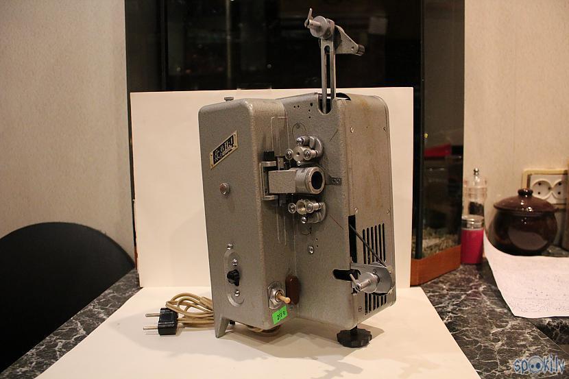 8mm Kīno projektors 8P1 1962 g... Autors: chechens5 Mani jaunumi 03.12.2016